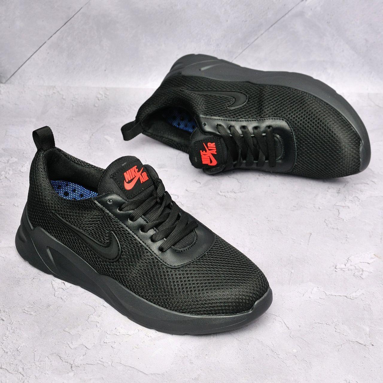 Чоловічі брендові чоловічі кросівки. Верх - високоякісна сітка. Легчайшая підошва поліуретан.
