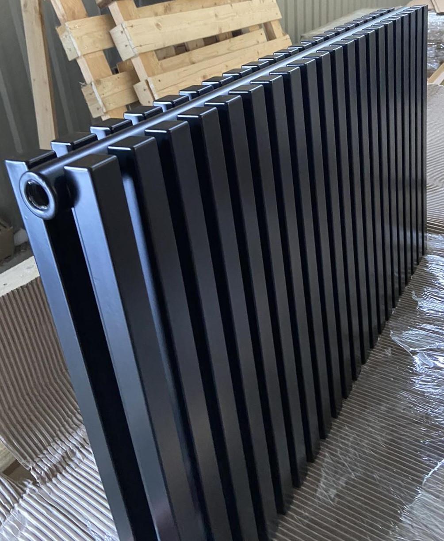 Горизонтальные трубчатые радиаторы Betatherm Quantum 2 H-500 L-1205 (белый/черный)