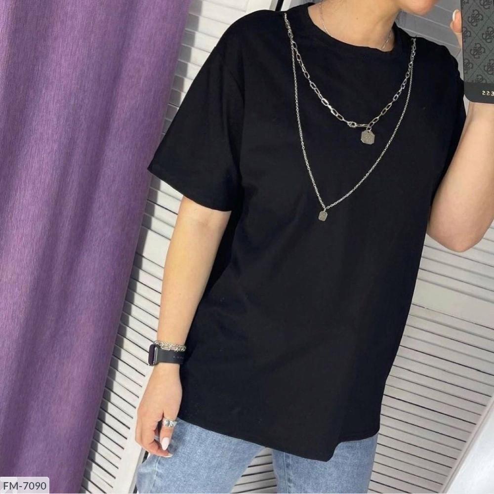 Жіноча футболка з ланцюжком