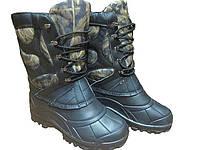Непромокальні чоботи з камуфляжными вставками на шнурку