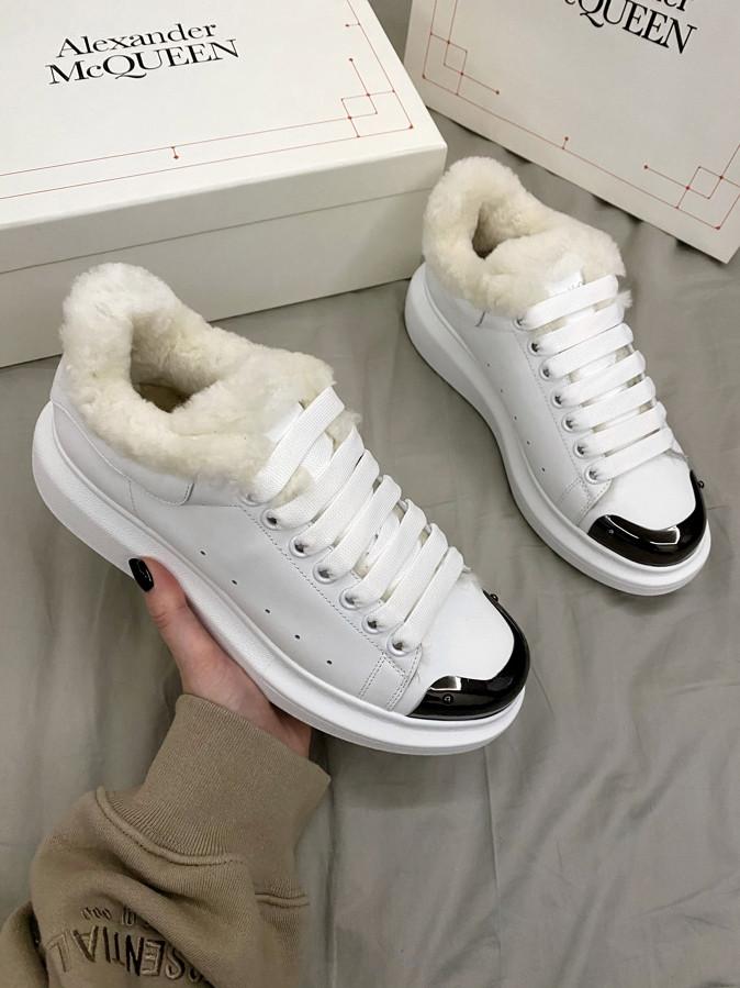 Женские кроссовки Alexander McQueen White Metal Fur