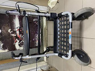 Надійні ролери, ходунки на колесах б/у для людей з обмеженими можливостями з сумочкою IT663