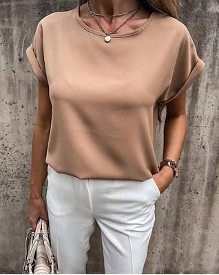Женская свободная блузка из софта с подкатами на рукавах