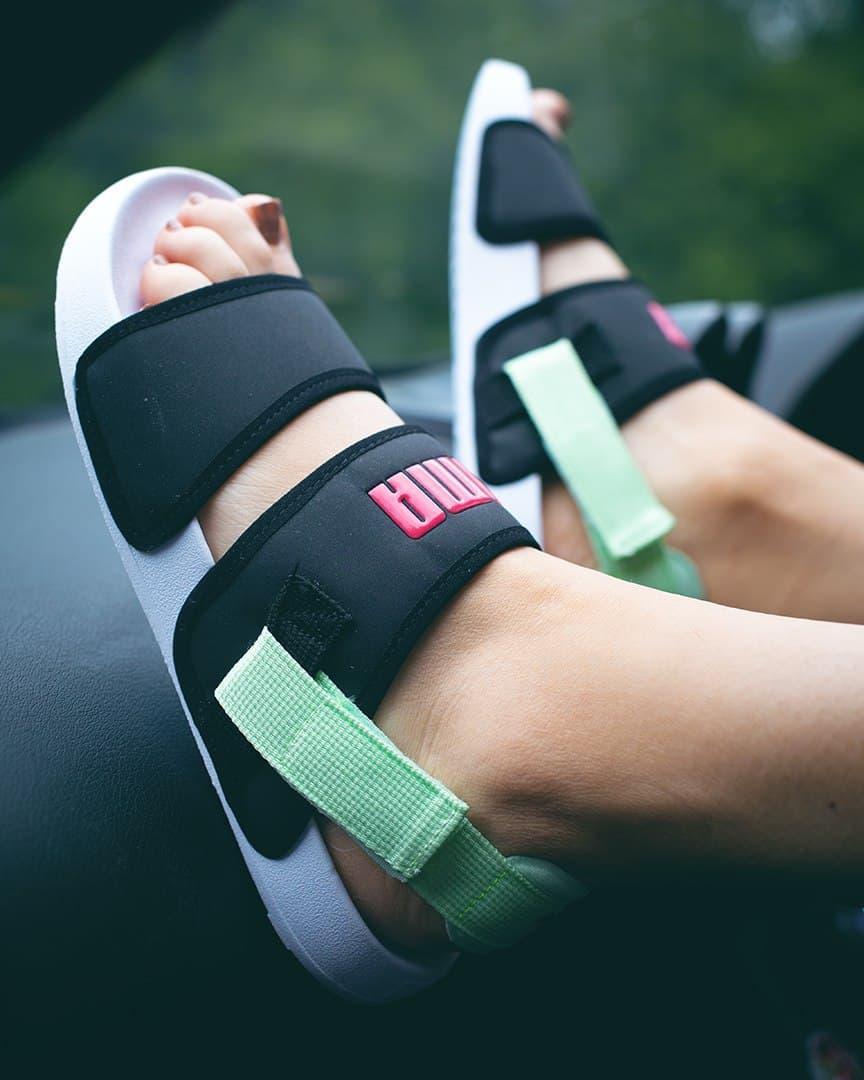 Жіночі літні тканинні босоніжки Puma чорні з зеленим   Повсякденні зручні відкриті сандалі Пума