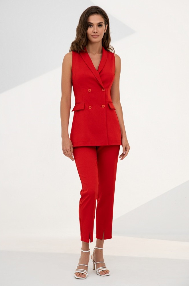Літній костюм-двійка з подовженого жилет і штани із завищеною талією. Червоного кольору