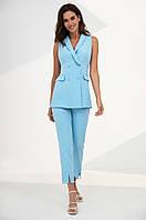Літній костюм-двійка з подовженого жилет і штани із завищеною талією. Блакитного кольору