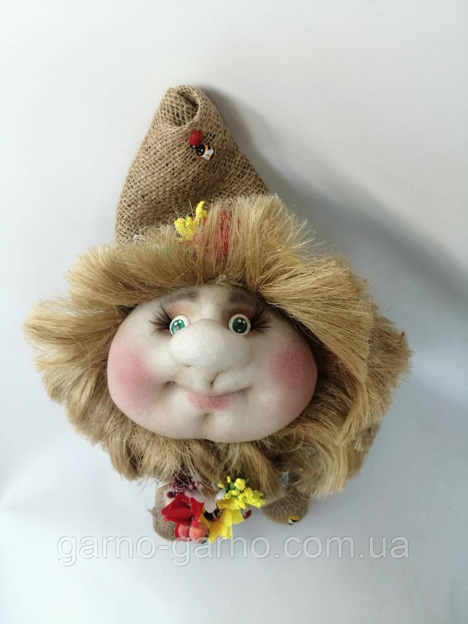 Кукла оберег Домовой с деньгами и ягодками зеленый декор