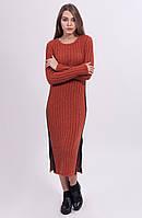 Вязанное платье на зиму длины миди изысканного цвета