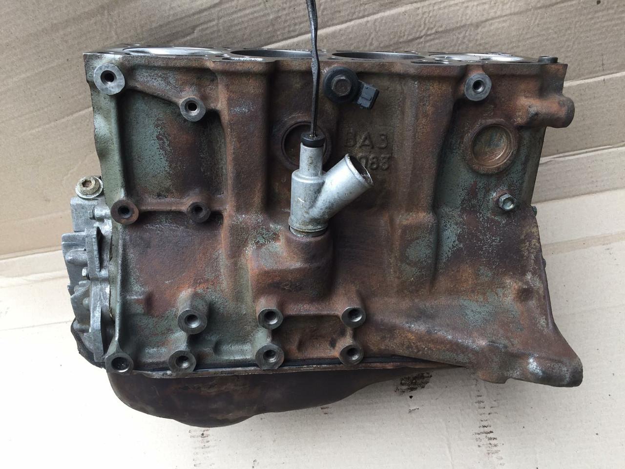Двигатель без ГБЦ 1.5 ВАЗ 2108 2109 21099 2110 2111 2112 2113 2114 2115 низ мотора бу