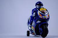 Мотоцикл с мотоциклистом