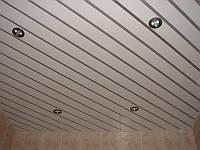 Алюминиевый реечный потолок, фото 1