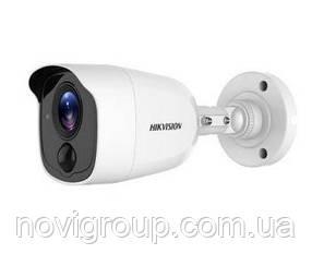5.0 Мп Turbo HD відеокамера з PIR датчиком Hikvision DS-2CE11H0T-PIRL (2.8 ММ)