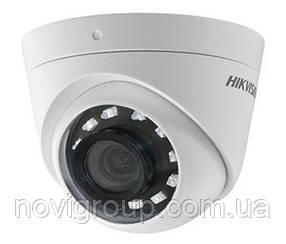 2Мп Turbo HD відеокамера Hikvision з вбудованим балуном DS-2CE56D0T-I2PFB (2.8 ММ)