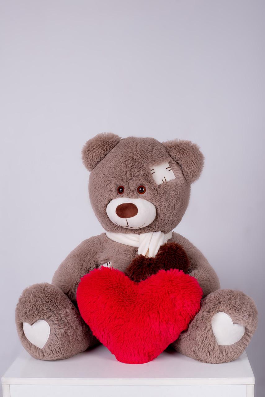 Мишка с латками плюшевый с сердцем Yarokuz Уолтер 80 см Капучино