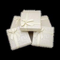 Подарочные коробки 90x90x25