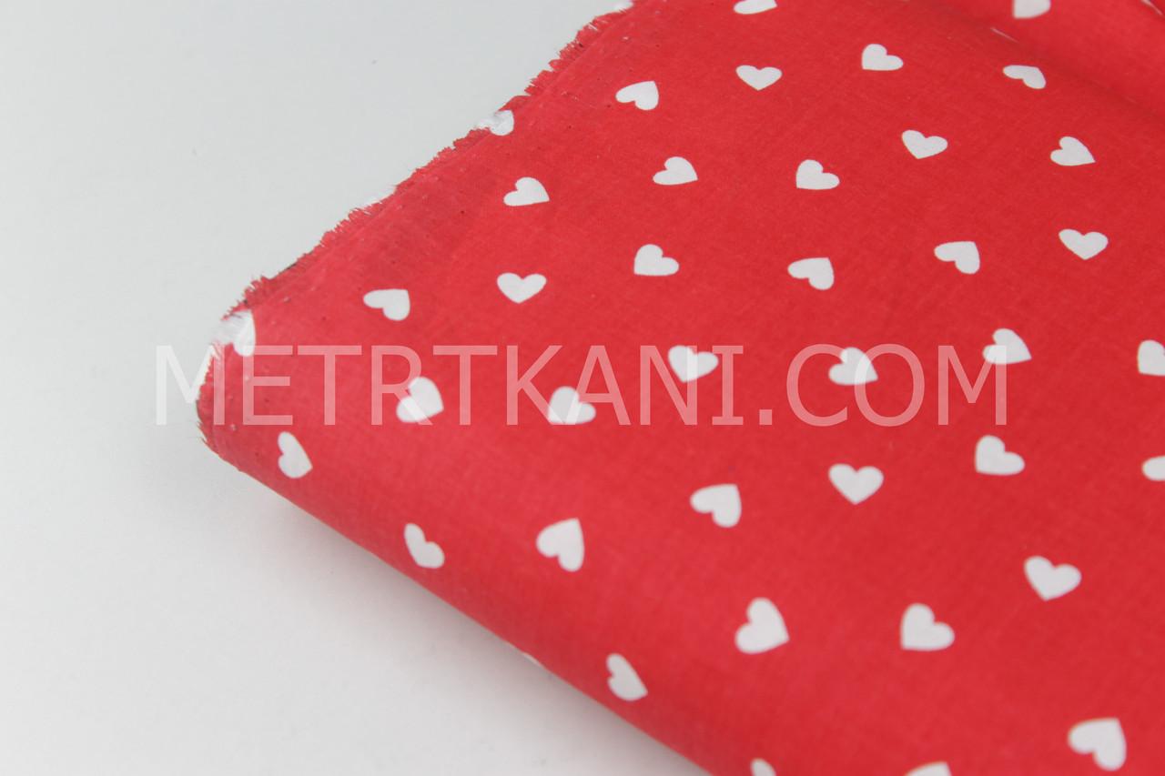 Лоскуток. Ткань хлопок, маленькие сердца белые на красном фоне №989, 28*153 см