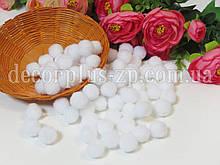 Помпоны 1.5 см, (20шт), белые