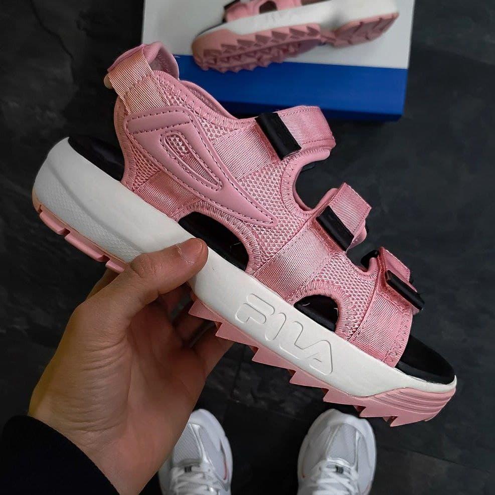 Молодіжні літні жіночі сандалі Fila Disruptor рожеві з чорним   Модні відкриті красиві босоніжки Філа
