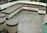 Кухонный диван для большой кухни с пуфами на колесиках, фото 2