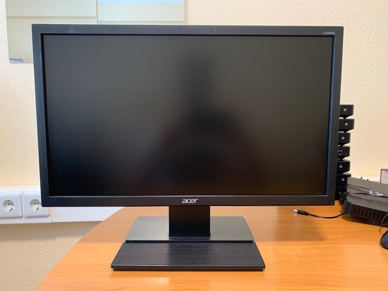 Широкоформатный компьютерный TFT монитор б/у Acer V226HQL VGA 21,5 дюйма с разрешением 1920x1080