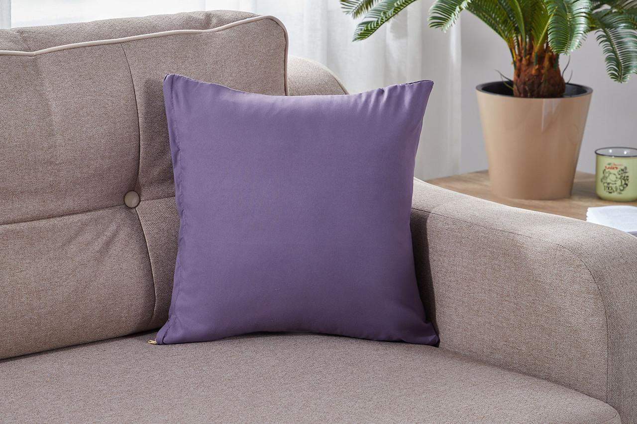 Подушка декоративная фиолетового цвета