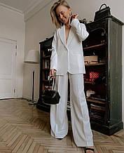 Женский костюм, костюмка люкс, р-р С-М; М-Л (белый)
