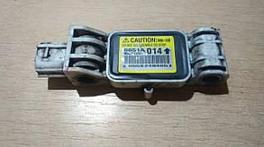Датчик удара фронтальный передний 8651A014 999598 Grandis Mitsubishi
