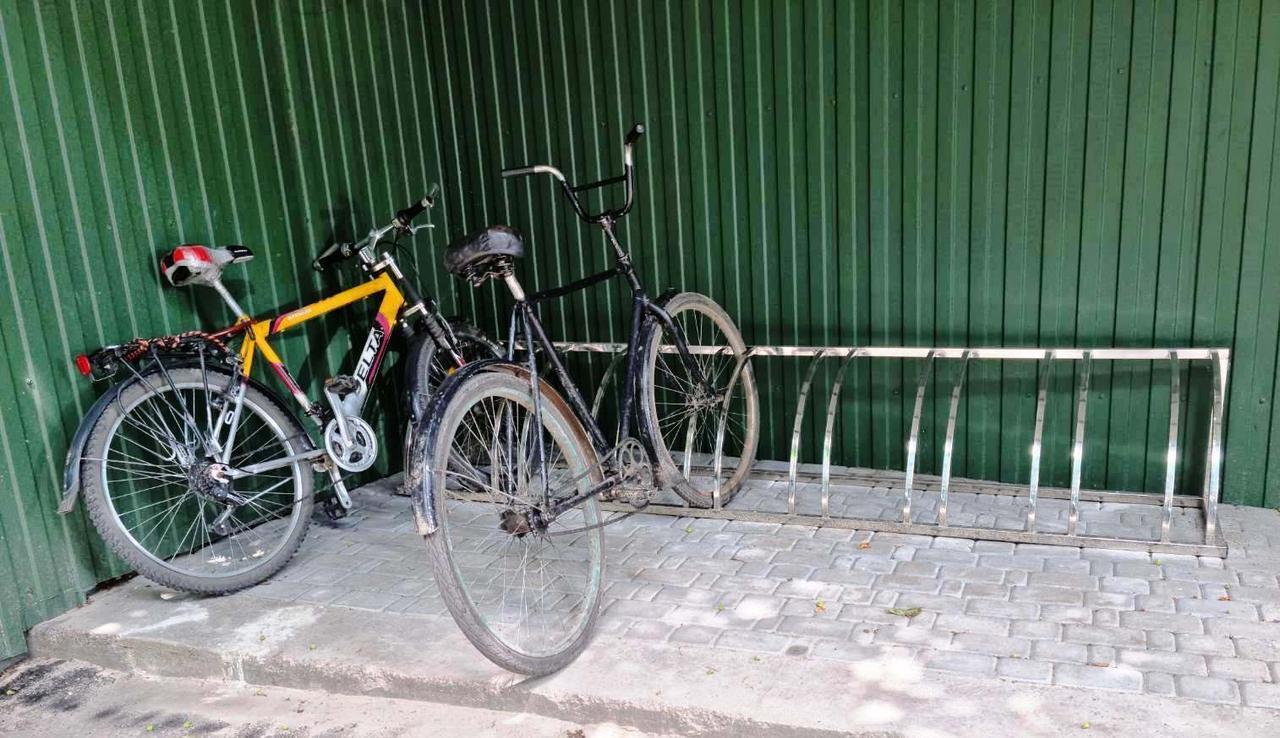 Велопарковка Graceful из нержавейки на 8 велосипедов