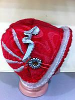 Шляпа с отворотом из искусственной нерпы с украшением светло серого цвета