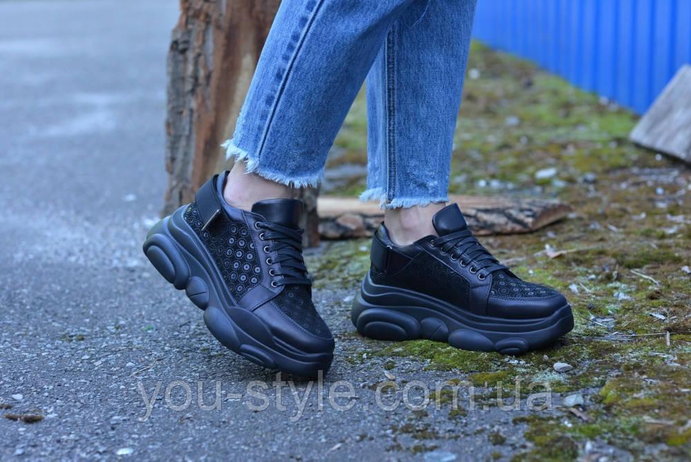 Кросівки чорні замша з візерунком