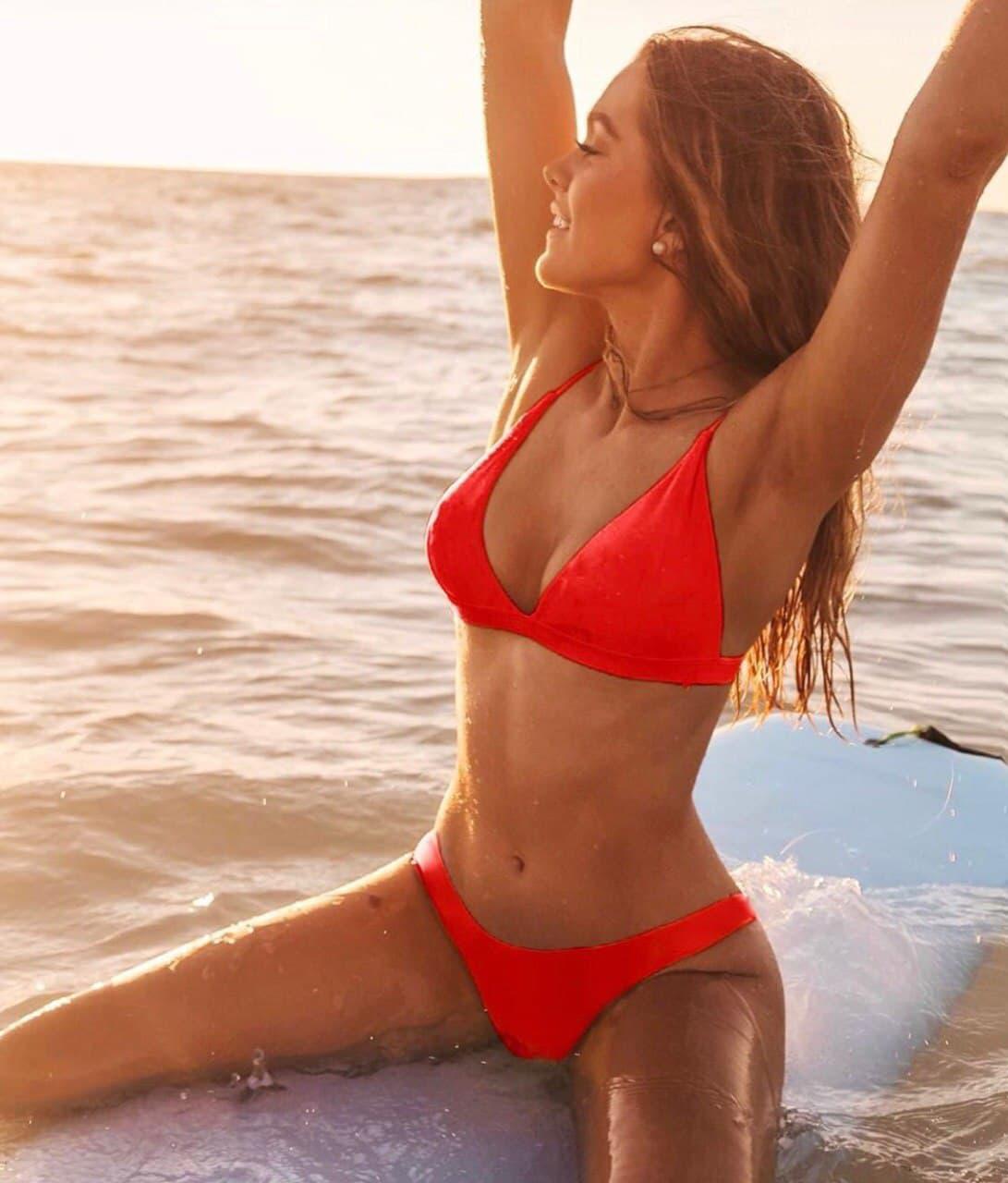 Гарний роздільний жіночий купальник