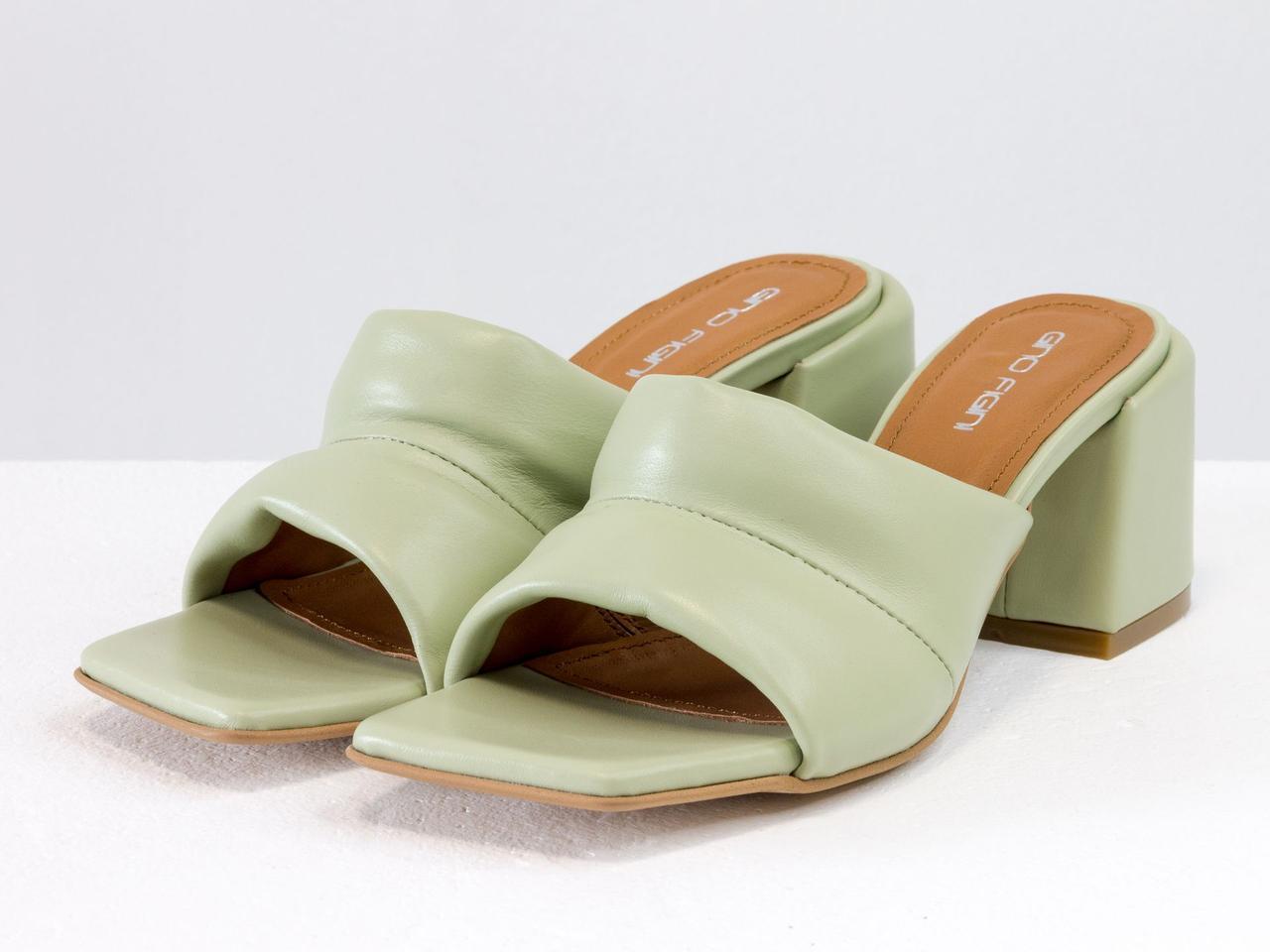 """Дизайнерские мягкие мюли """"дутики"""" оливкового цвета, на каблуке"""