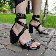 Лаковые босоножки на каблуке, принт питон