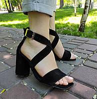 Замшевые черные босоножки на высоком каблуке