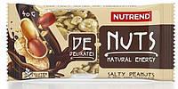 Батончик зерновой Nutrend De-Nuts 40g солёный арахис в чёрном шоколаде