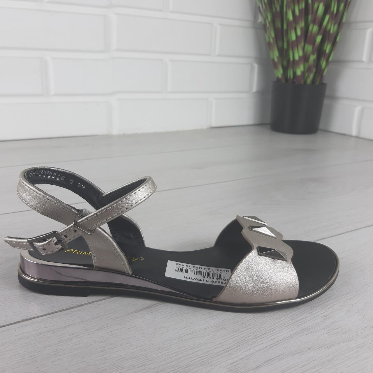 Сріблясті жіночі сандалі на плоскій підошві класичні