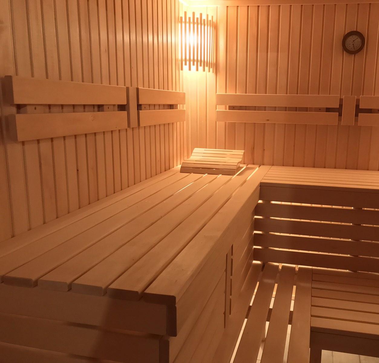 Сауна - баня под ключ  2500*3000мм с электрокаменкой и монтажом