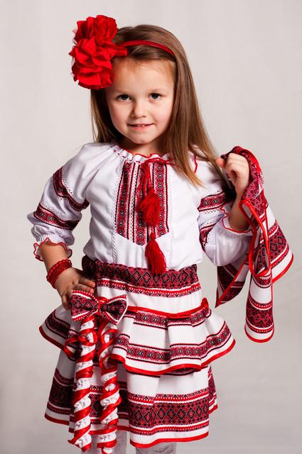 Детские вышиванки - украинские костюмы для мальчиков и девочек