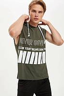 Мужская футболка Defacto / Дефакто цвета хаки без рукавов, с капюшоном Never give up