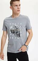 Серая мужская футболка Defacto / Дефакто с принтом- череп