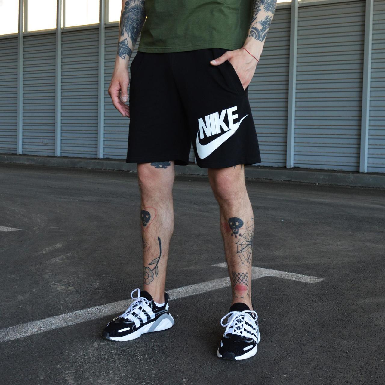 Шорты мужские Nike черного цвета. Мужские шорты Эир Найк черные. Летние мужские черные шорты.