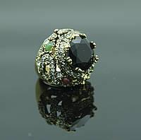 Необыкновенное кольцо с массивным кристаллом оптом. Украшения оптом. 102