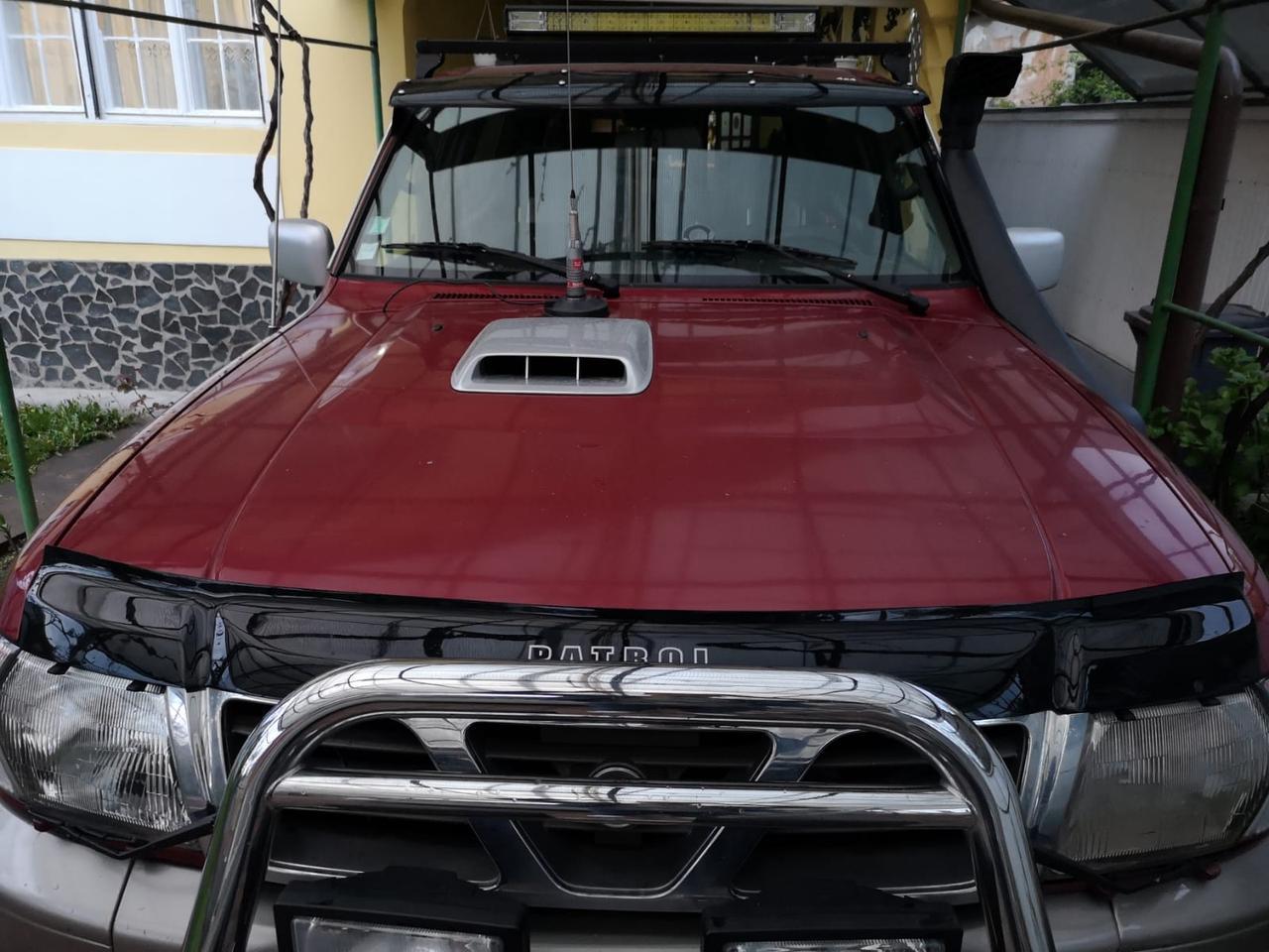 Дефлектор капота (VIP) для Nissan Patrol Y61 1997-2011 гг.