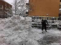 Уборка снега вручную Киев,вывоз снега 222-91-13