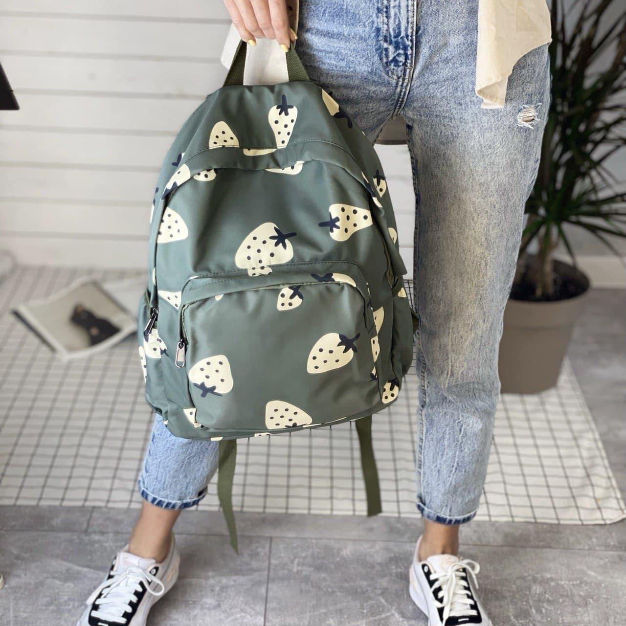 Рюкзак з полуницею