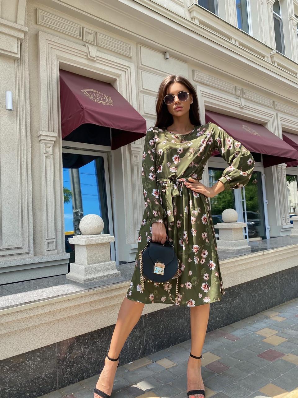 Элегантное платье длиною миди с длинным рукавом на манжете