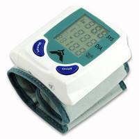 Бюджетный наручный тонометр на запястье - автоматический измеритель давления и пульса с памятью на 2-х ААА бат