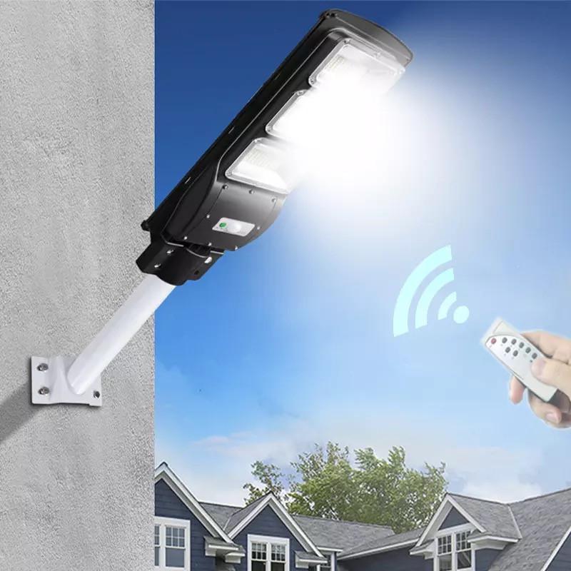Вуличний ліхтар на стовп 3 яскраві панелі для освітлення 375W Cobra solar street light R3 VPP 7780
