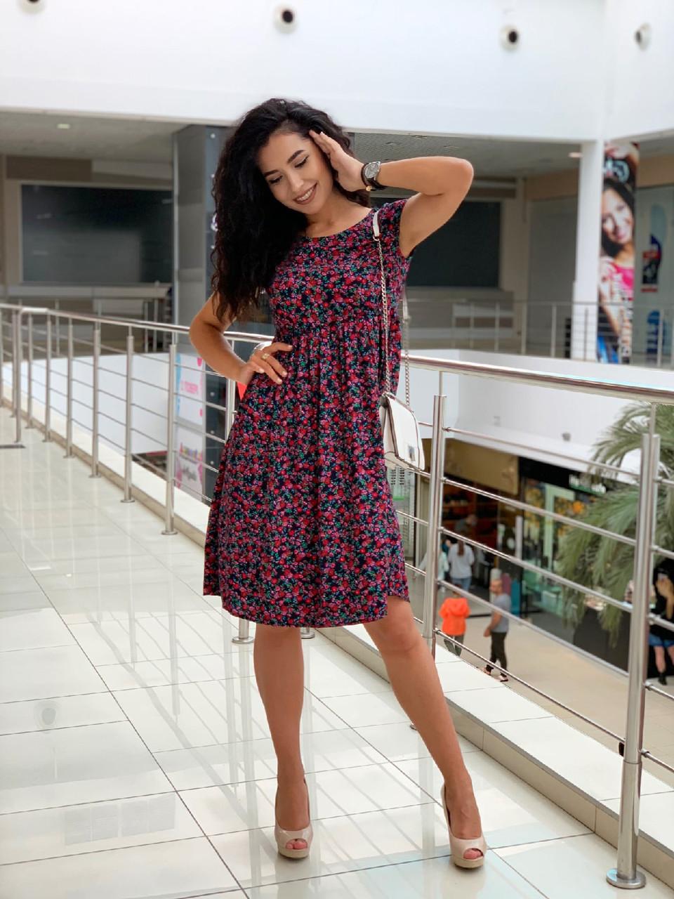 Летнее легкое платье с коротким рукавом с чуть завышенной талией