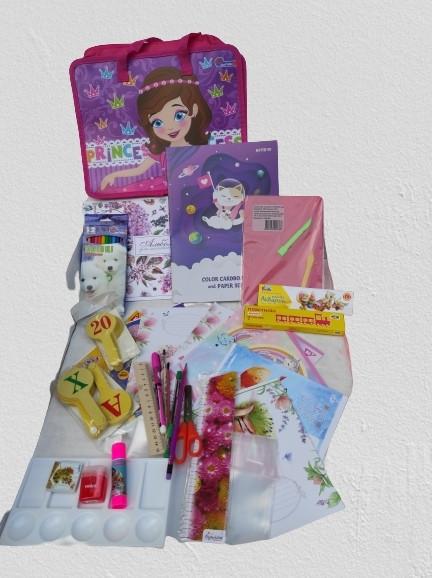 Набор первоклассника универсальный для девочек Classic на 40 предметов, подарок выпускнику детского сада